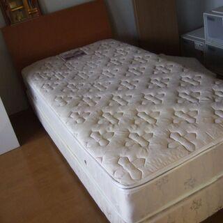 中古 ニトリ シングルベッド 配達します