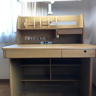 東京インテリアのSUNDESK製の学習机と椅子も良かったらどうぞ