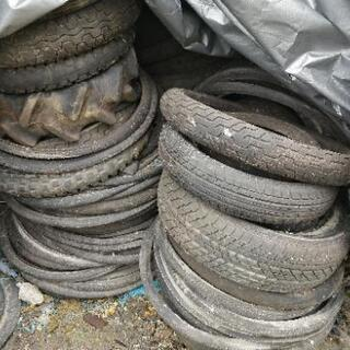 廃タイヤ 種類多数 少しからでもいるだけどうぞ - 明石市