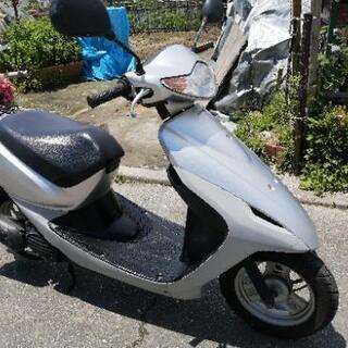 お話中 原付バイク ホンダ スマートDio 普通に走行します。異音(少しカラカラ)有るため格安  - 明石市