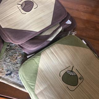 夏用座布団 11枚あります。何枚からでも差し上げます