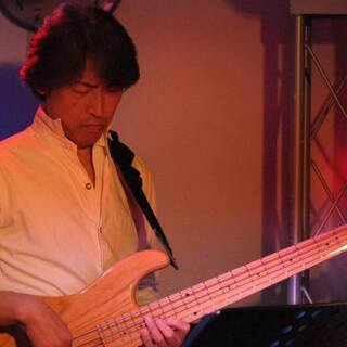 茨木・大阪近郊 角谷エレキベース・ウクレレ教室 30年以上の音楽...
