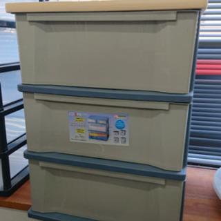 天板木製 クローゼット収納 衣装ケース 3段です^ - ^