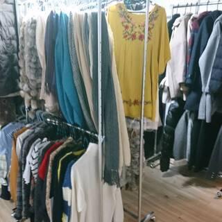 来週600枚仕入れて無人古着屋MN塚口店の店頭に新商品が入荷され...