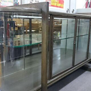 (湾曲したガラスの)大型ガラスショーケース 高く買取るゾウ…