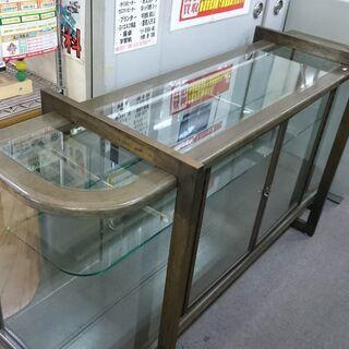 (湾曲したガラスの)大型ガラスショーケース 高く買取るゾウ八幡東店 - 北九州市