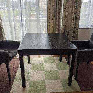 エクステンションテーブルとイス