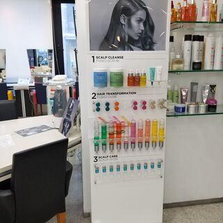 ケラスターゼ商品棚3台0円 高さ70cm×横67cm×奥行65cm