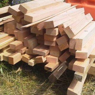 建築端材(木の工作・薪・焚きつけ材などに)