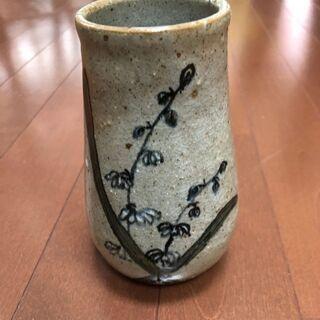 【500円】未使用品 花瓶 木箱はありません。