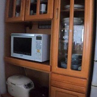 食器収納棚