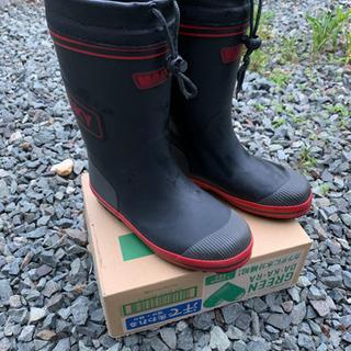 【値下げしました】小学生用長靴23.0 黒/赤
