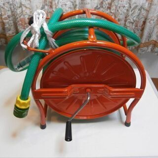 【取引き終了】お庭の水やりに大活躍!スチール製ホースリール(中古...