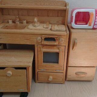 おままごとキッチン 木製 おもちゃの電子レンジ付き