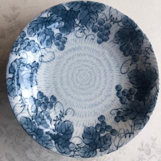 皿(直径約16cmくらい)