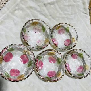 (新品未使用品]❗️手描きのりんごの模様のガラスの器❗️