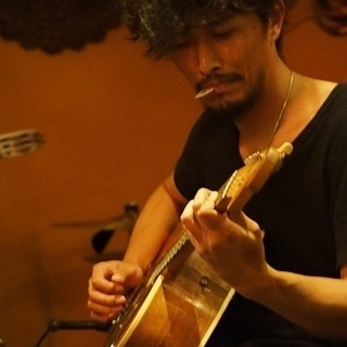 現役ミュージシャンがマンツーマンでギターを教えます♪【ユニヴァ音...