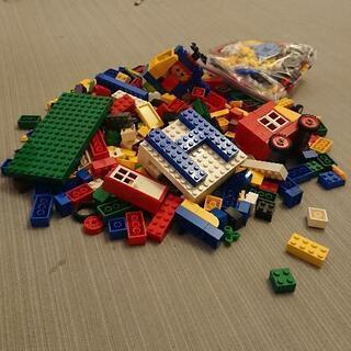 レゴ(アイロンビーズはおまけと思ってください)