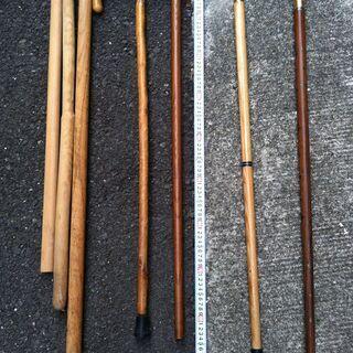 【ネット決済・配送可】各種折り畳み杖、伸縮ステッキ、木の杖、トレ...