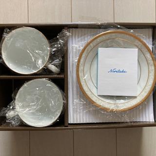 新品箱付き ナリタケ ティーカップセット