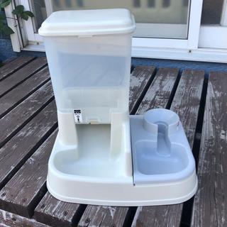 【ネット決済・配送可】ペット用自動給餌器 給水器