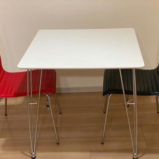 カフェ風テーブル&チェア2脚セット