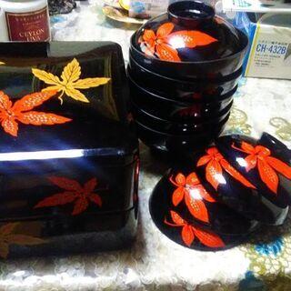 漆器重箱とお椀  箱酒