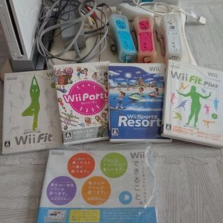 値下げしました☆  Wii本体 バランスボード コントローラ3つ...