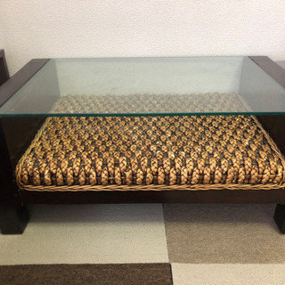 アジアンなガラステーブル