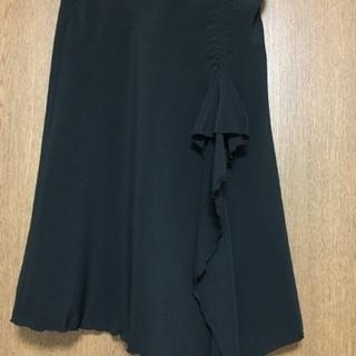 黒 前スリットスカート