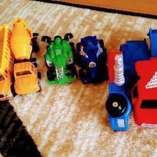 【予約あり】ロボットになるミニカー等