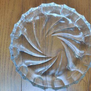 ガラスの平皿4枚