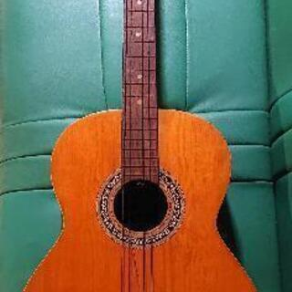 昭和の古いレトロフォークギター