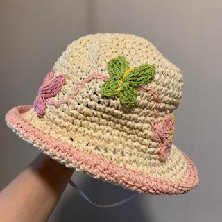 女の子の麦わら帽子