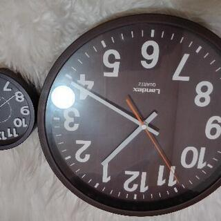 壁掛け時計と目覚まし時計 デザイン同様タイプ