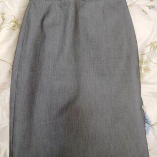 未使用 W53 スカート(ひざ下)☘