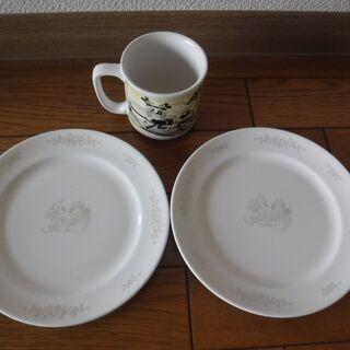 ディズニー(ミッキー)デザートプレートとマグカップ