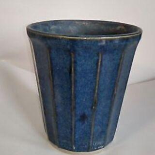 植木鉢 青 縦模様