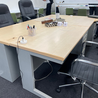 オフィス用机1人用(4つあります。)