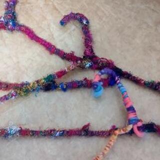 カラフル毛糸ハンガー
