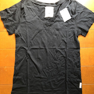 earthのTシャツ