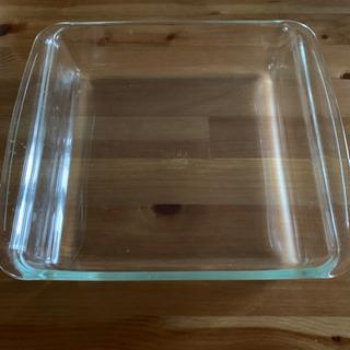 IWAKI 耐熱ガラス ケーキ、グラタン皿