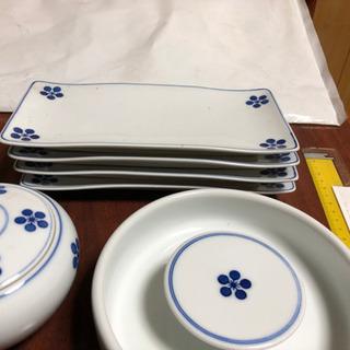 白山陶器いろいろ 長い皿、蓋付き小鉢、茶碗等