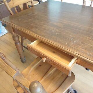 【ネット決済】ダイニングテーブル.椅子×3
