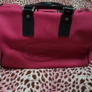 ピンク色鞄