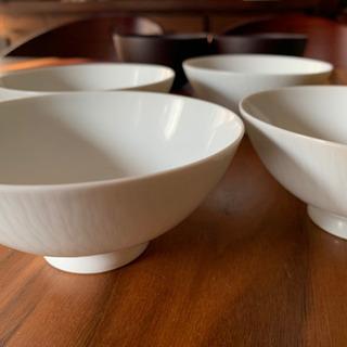 【無料】 上品な白いお茶碗 4客セット