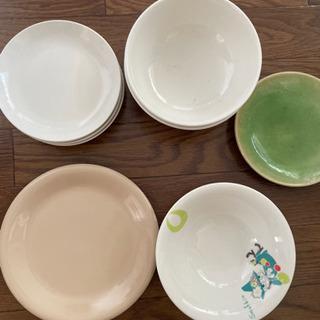 【値下げ】お皿9枚 一式お譲りします