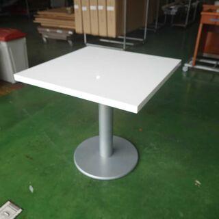 オシャレな、正方形1本足白テーブル