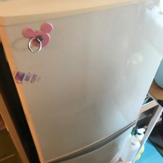 冷蔵庫を譲ります。