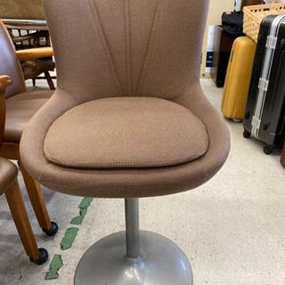 レトロなカウンター椅子